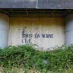 <h4>SOUS LA RUINE, L'ÎLE</h4><p></p>