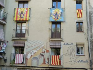 Ativismo estampado nas varandas de Barcelona