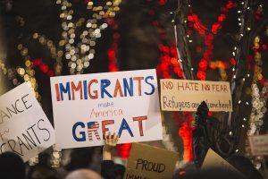 A vida social dos cartazes de protesto