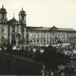 <h4>Walking through the Public Market of Braga (Praça)</h4><p></p>