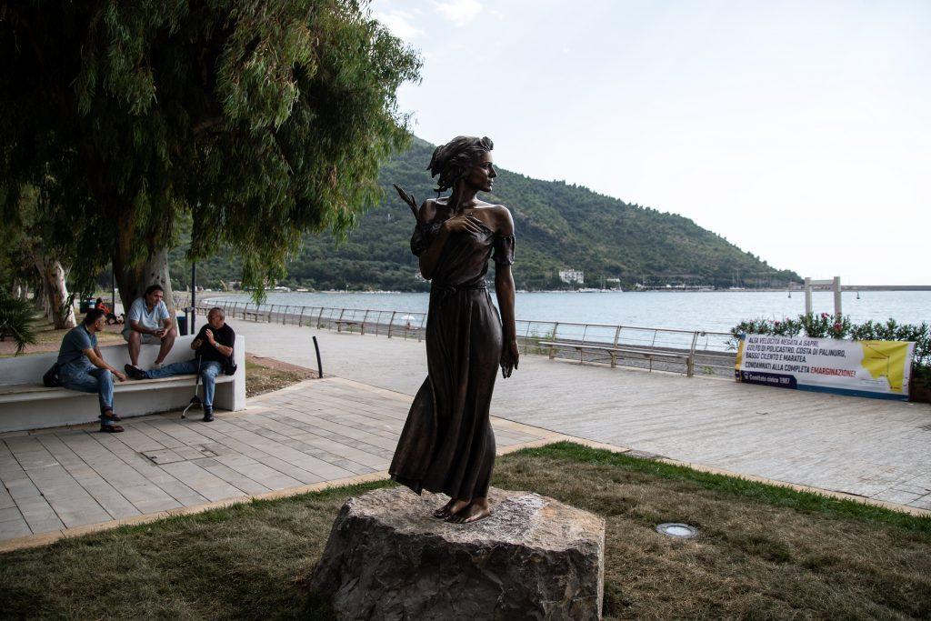 Retrieved from https://news.artnet.com/art-world/racy-italian-monument-begets-controversy-2014442